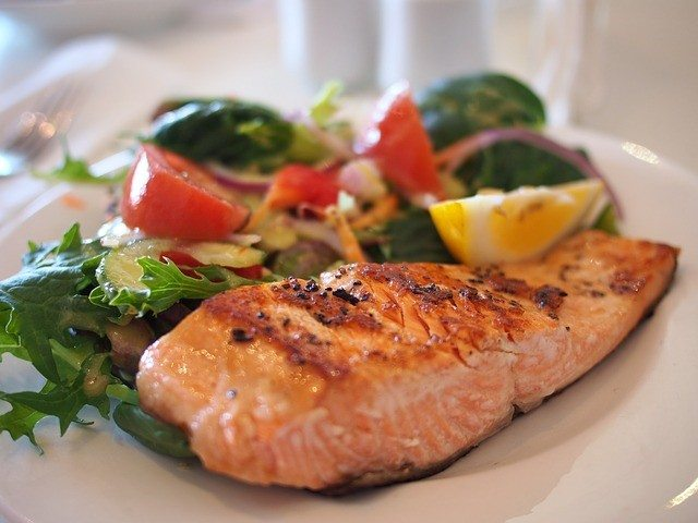 Salmon For Weight Loss? How It Helps Your Diet And Overall Health ...